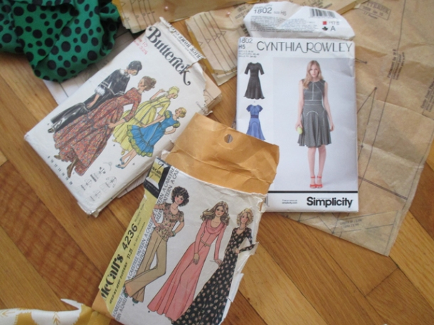 Frankendress! Nothing like using three patterns from three different suppliers from three different eras.